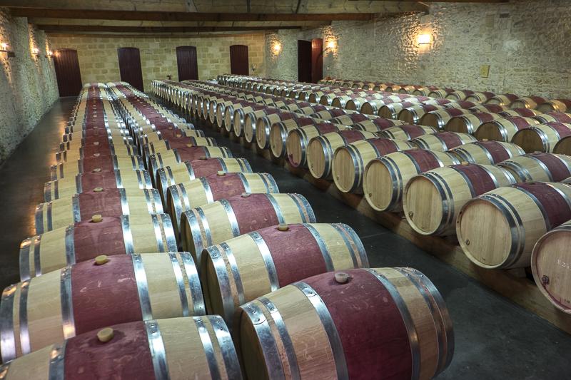 gueules de vignerons, chai Château Pontet-Canet, winemaker, Jean-Yves bardin photographe Gueules de vignerons, photographies de vignerons, Château Pontet-Canet, Pauillac, biodynamie, Bordeaux, grands vins de Bordeaux, Jean-Michel Comme