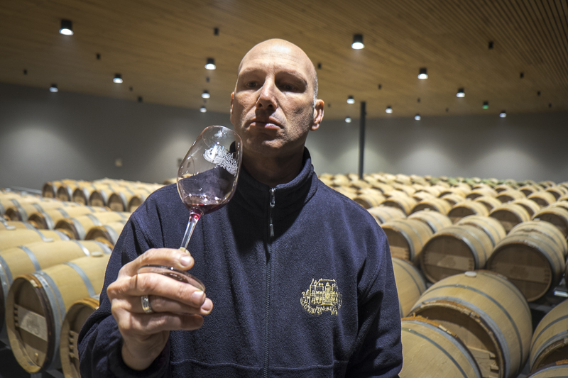 gueules de vignerons, portrait de vignerons, winemaker, Jean-Yves bardin photographe Gueules de vignerons, photographies de vignerons, biodynamie, Château Palmer, Médoc, Margaux, vin bio Bordeaux, grands vins de Bordeaux