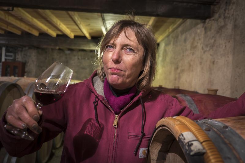 gueules de vignerons, portrait de vignerons, winemaker, Jean-Yves bardin photographe Gueules de vignerons, photographies de vignerons, Stella Puel, Château Bardins, Pessac Léognan, Cadaujac, Bordeaux
