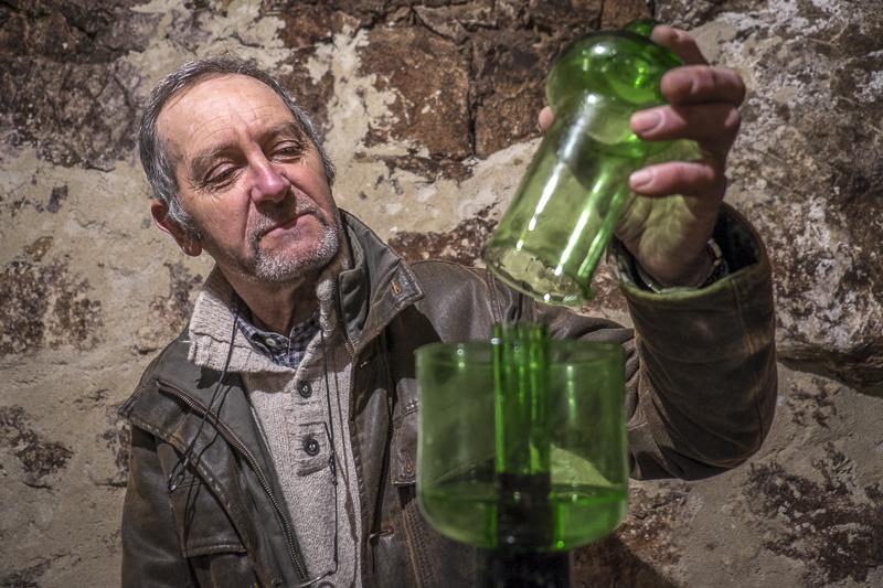 Yannick Amirault, , vin bio, Vigneron Bourgueil, gueules de vignerons, Jean-Yves BARDIN, vigneron Bourgueil Touraine, vigneron bio, cave, biodynamie, vin du Val de Loire, organic wine, photographe, gueules de vignerons, vins de loire, vin saint nicolas de Bourgueil, Touraine