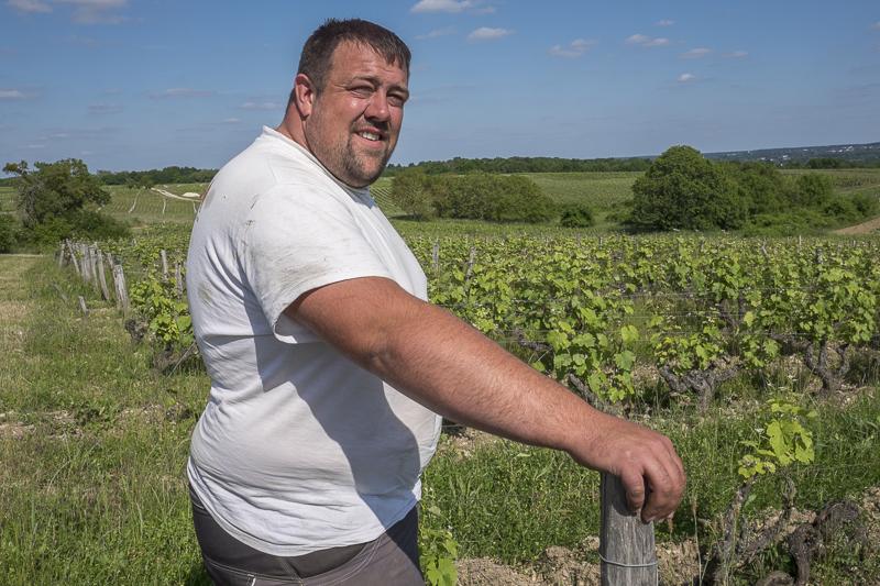 gueules de vignerons, vigneron bio Vouvray, winemaker, Jean-Yves bardin photographe Gueules de vignerons, portraits de vignerons, Jean-Yves bardin, biodynamie, vigneron bio Vouvray, Mathieu Cosme, Vin de Loire, vin bio, Vin bio Vouvray, AOC Vouvray