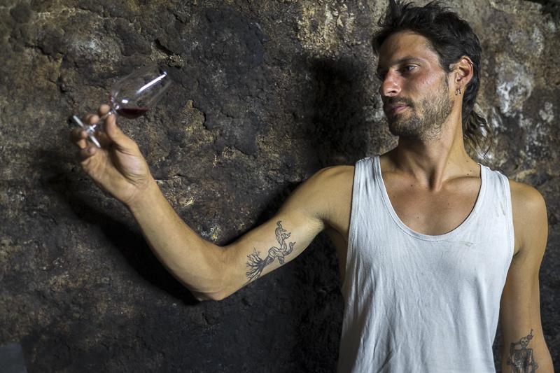 Jean-Yves BARDIN, Baptiste Cousin, vigneron d'Anjou, vigneron nature, cave, vin naturel, vin, wine, photographe, gueules de vignerons, vins de loire, Anjou libre,