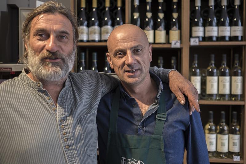 Jean-Yves BARDIN, Olivier Cousin, vigneron d'Anjou, AOC, vigneron bio, cave, biodynamie, vin, wine, photographe, gueules de vignerons, vins de loire, Anjou libre, vin naturel, INAO, procès,