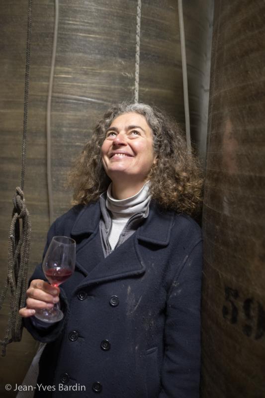 Ariane Lesné, Domaine de Montrieux, gueules de vignerons, vigneron bio, organic wine, winemaker, Jean-Yves bardin photographe Gueules de vignerons, portraits de vignerons, Vignerons de Loire, pineau d'aunis, chenin, gamay teinturier, cuvée Phylactère, Gargamelle, Ithybole, Phicrochole, Grand Gousier, AOC coteaux du Vendomois, Vendômois, Naveil