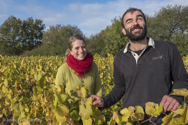 Manuel Landron et Marion Pescheux, domaine Complémen'Terre, Muscadet, vigneron bio, gueules de vignerons, Jean-Yves Bardin photographie