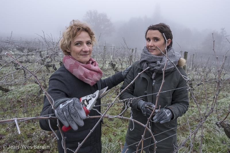 Anne et Marie Guégniard, domaine de la Bergerie, vigneronne, biodynamie, winegrower - portrait, vin nature, bio, gueules de vignerons, vigneron bio, vignerons d'Anjou, Jean-Yves Bardin photographie