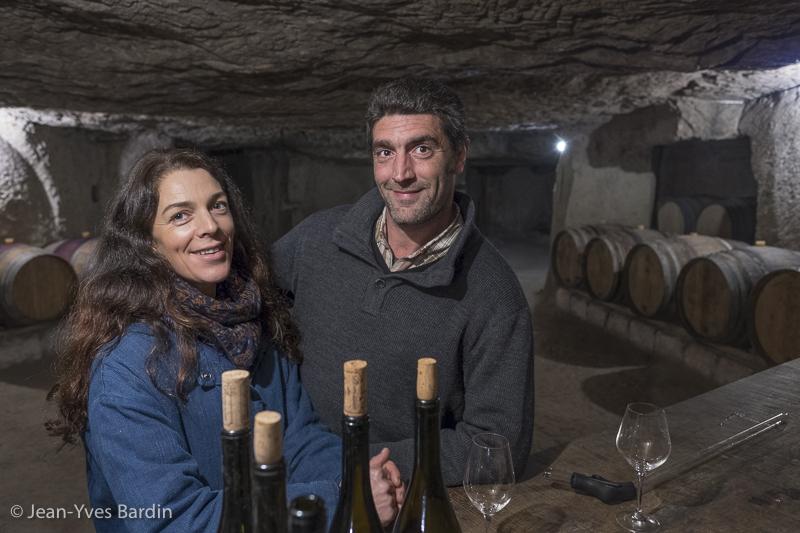 Antoine et Caroline Foucault, le domaine du Collier, vigneron, biodynamie, winegrower - portrait, vin nature, bio, gueules de vignerons, vigneron bio, vignerons de Saumur, Jean-Yves Bardin photographie